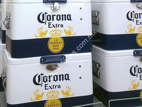 Hielera Corona Cooler comprando 4 six packs de cerveza
